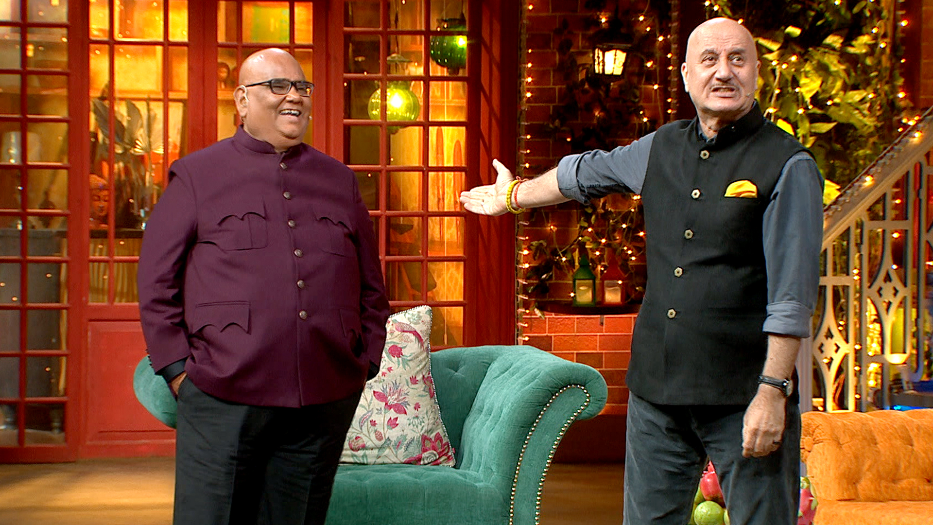 Watch The Kapil Sharma Show Season 2 Episode 162 Online - Anupam Kher, Satish Kaushik, Pankaj Tripathi On Kapil's Show - SonyLIV